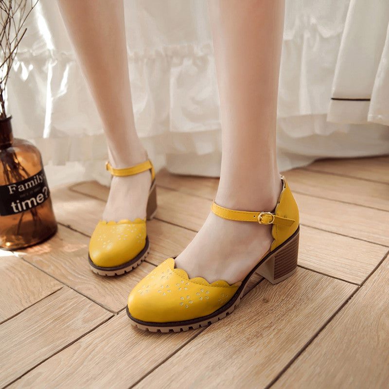 PU Pure Color Round Toe Block Heel Ankle Strap Flower Carved Sandals 9.5 Yellow