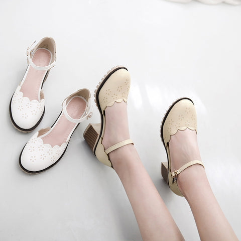 PU Pure Color Round Toe Block Heel Ankle Strap Flower Carved Sandals 9.5 Beige