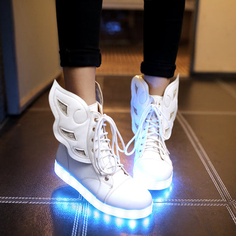 PU Round Toe Flat Heel Lace Up 7 Colors Led Light Wing Sneakers 9 White
