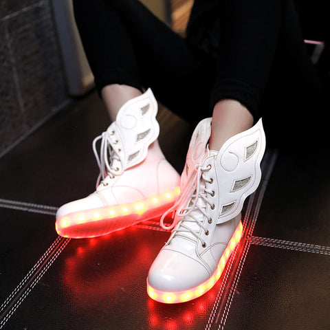 PU Round Toe Flat Heel Lace Up 7 Colors Led Light Wing Sneakers 8.5 White