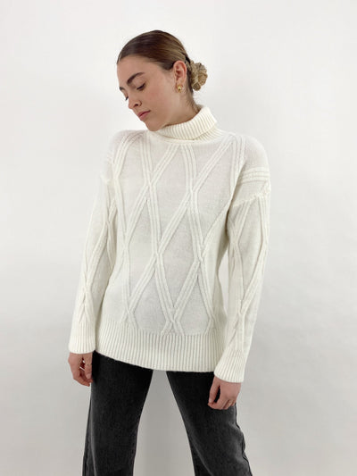 Clouded Plush Diamond Pattern Sweater - Vamp Official