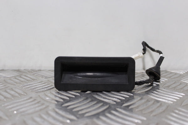 Ford Focus Tailgate Boot Lock Switch (2007)