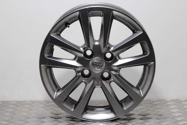 Toyota Yaris Wheel  (2014)