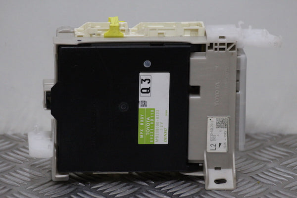 Toyota Yaris Fuse Box (2012)