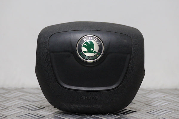 Skoda Octavia Airbag Drivers Side (2011)