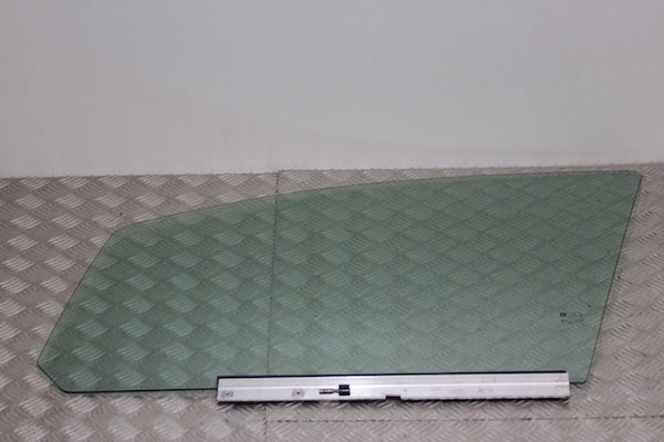 Opel Zafira Door Window Glass Front Passengers Side (2008)