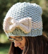 Load image into Gallery viewer, knitting pattern seed stitch hat and bow