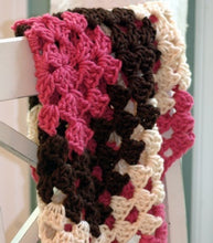 Load image into Gallery viewer, crochet baby blanket pattern granny square