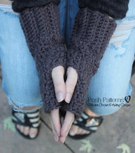 Load image into Gallery viewer, crochet pattern fingerless mitts