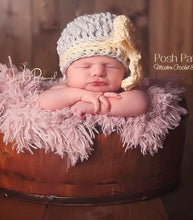 Load image into Gallery viewer, crochet hat pattern with bow