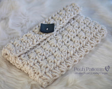 Load image into Gallery viewer, crochet clutch pattern