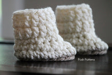 Load image into Gallery viewer, Crochet PATTERN - Crochet Baby Boots Pattern - Baby Booties Crochet Pattern