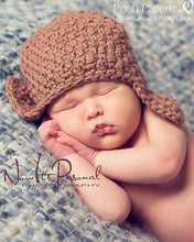 Load image into Gallery viewer, baby crochet earflap hat pattern