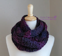 Load image into Gallery viewer, infinity scarf crochet pattern