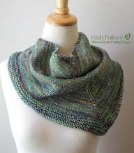 Load image into Gallery viewer, knit triangle scarf pattern