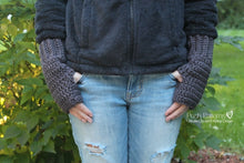 Load image into Gallery viewer, fingerless mittens crochet pattern