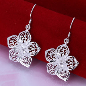 Pair Of Women's Flower Shape Hoop Earrings - The JfJ