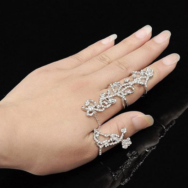 Chic Rhinestoned Rose Shape Hollow Out Ring For Women - The JfJ