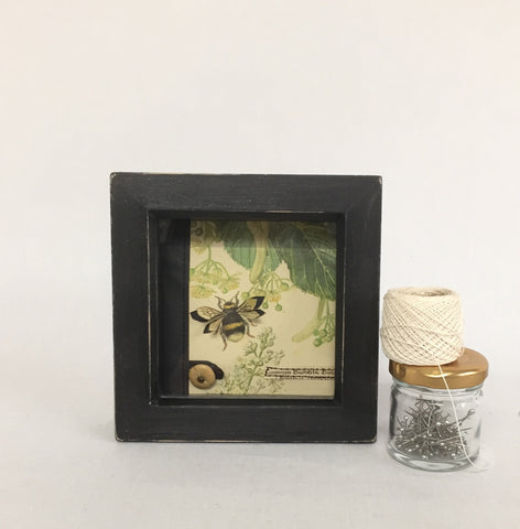 Common Bumble Bee / With UK postage included