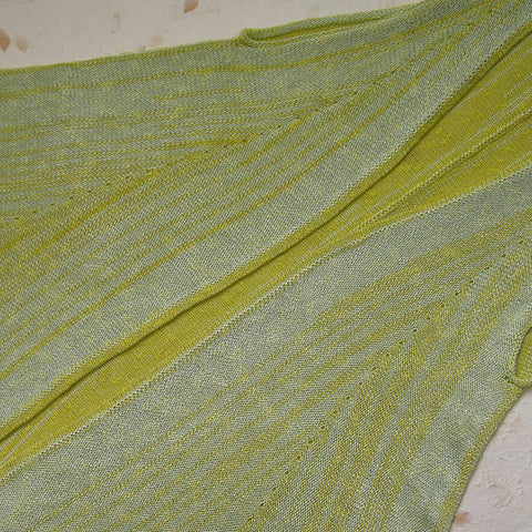 Lime/mint with no brooch / Medium (size approx. 12/14)                     Lime/mint with no brooch / Medium+ (size approx. 16)