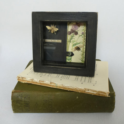 Bumble Bee and Thistle / With UK postage included