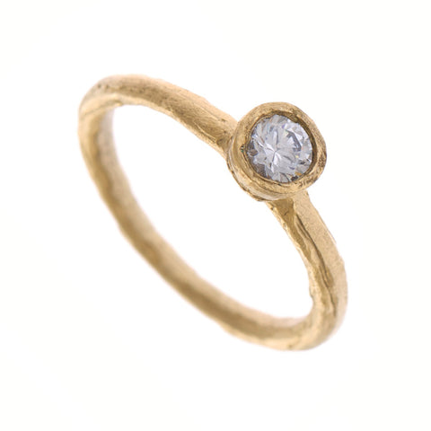 Diana Porter 18ct Yellow Gold Solitaire Diamond Ring