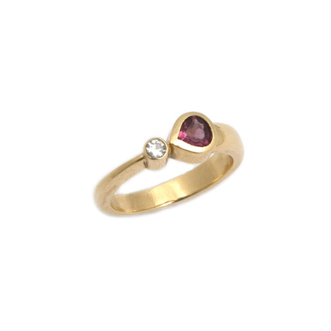 Friederike Grace Comet Rhodolite Garnet 18ct Yellow Gold Ring