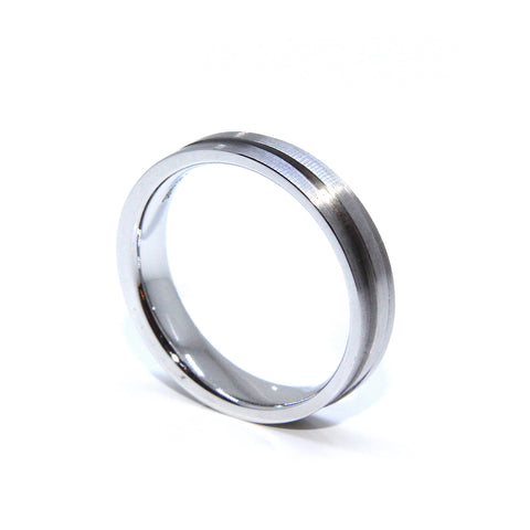 Henrich & Denzel '3' Scratch Matt Band Platinum Ring