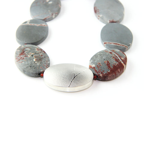 Inga Reed Oval Sonoran Agate And Embossed Silver Necklace