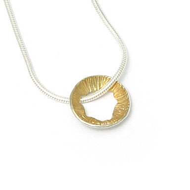 Martina Hamilton Single Shell Yellow Gold Plated Silver Necklace