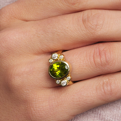 Rudolf Heltzel 18ct Yellow Gold Peridot Diamond Ring