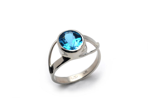 Stephanie Robinson 14ct White Gold Swiss Blue Topaz Ring