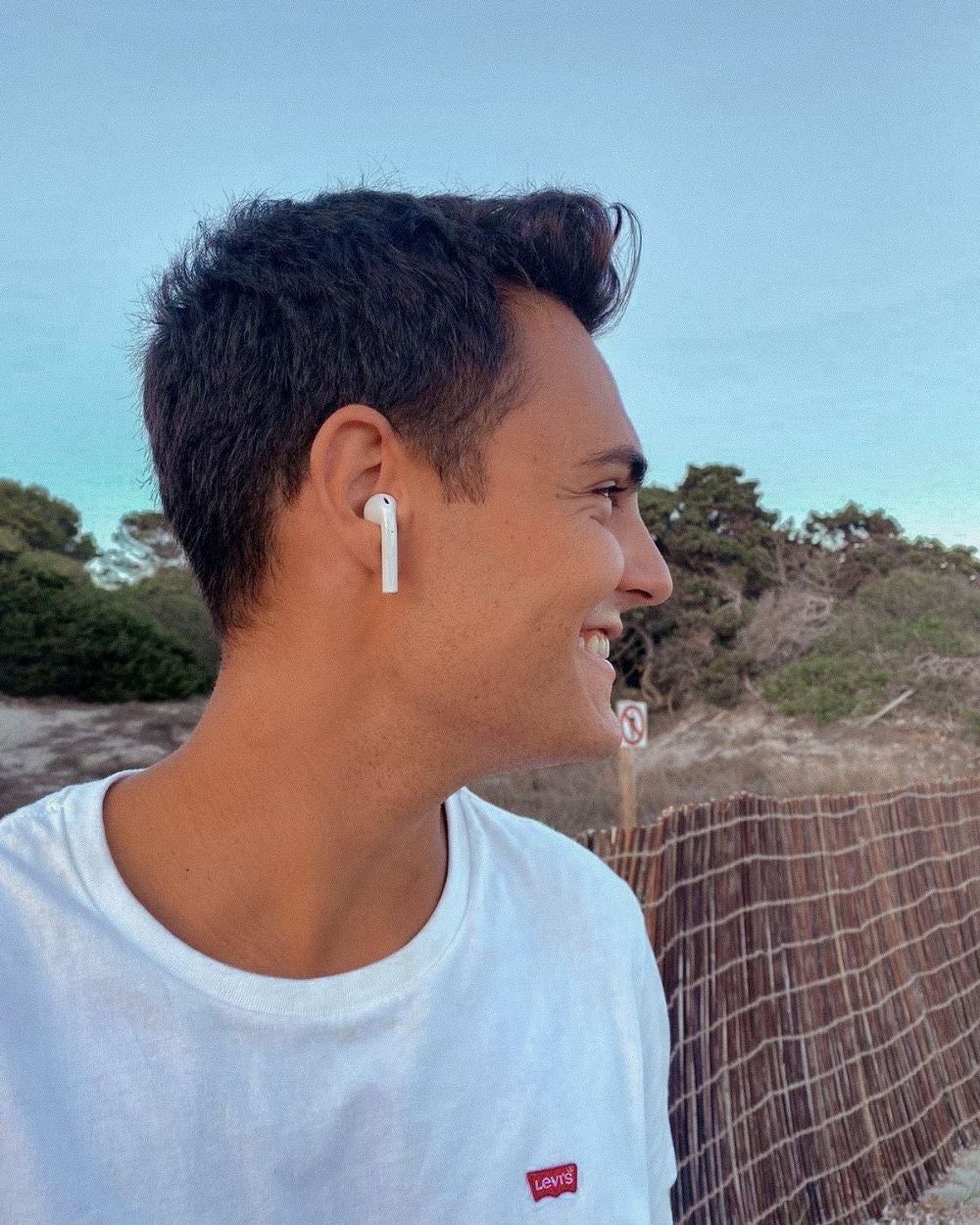FLYPRO - Auriculares bluetooth con carga inalámbrica - Beat Up x Flamingueo