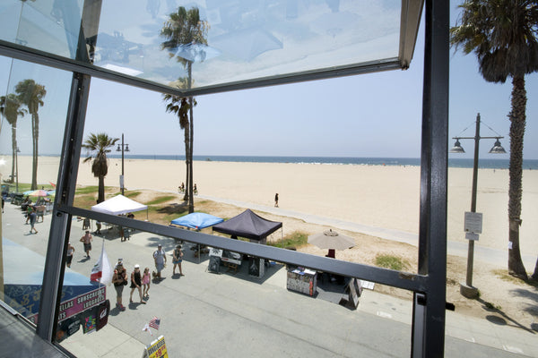 ICON Film Locations - For Filming or Lease, Modern Beach House with Floor to Ceilings Windows, Cat walk, Scenic views, Multiple Levels, On the Sand
