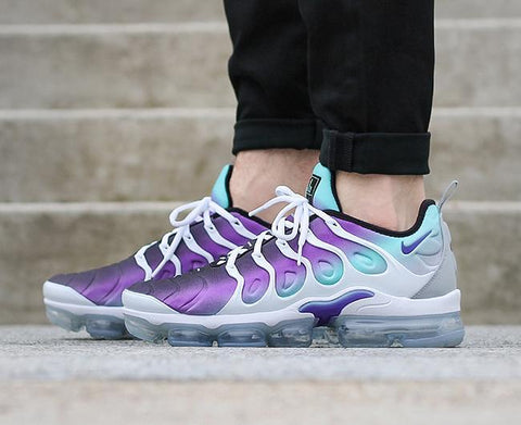 NIKE AIR VAPORMAX PLUS SHOES – WHITE/FIERCE PURPLE/AURORA GREEN/BLACK