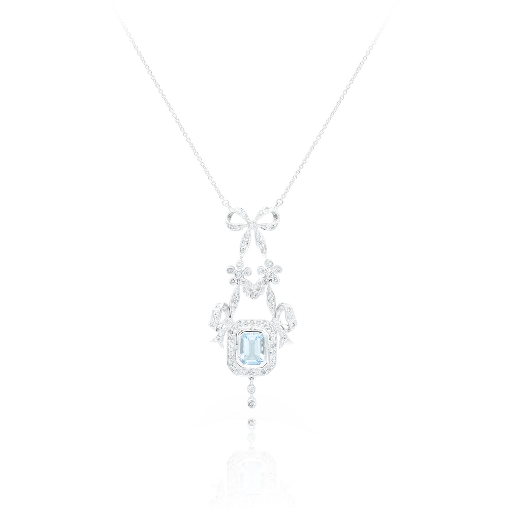 18kt White Gold Diamond and Aquamarine Necklace