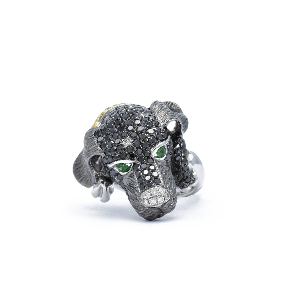 Puppy Ring with Black and White Diamonds