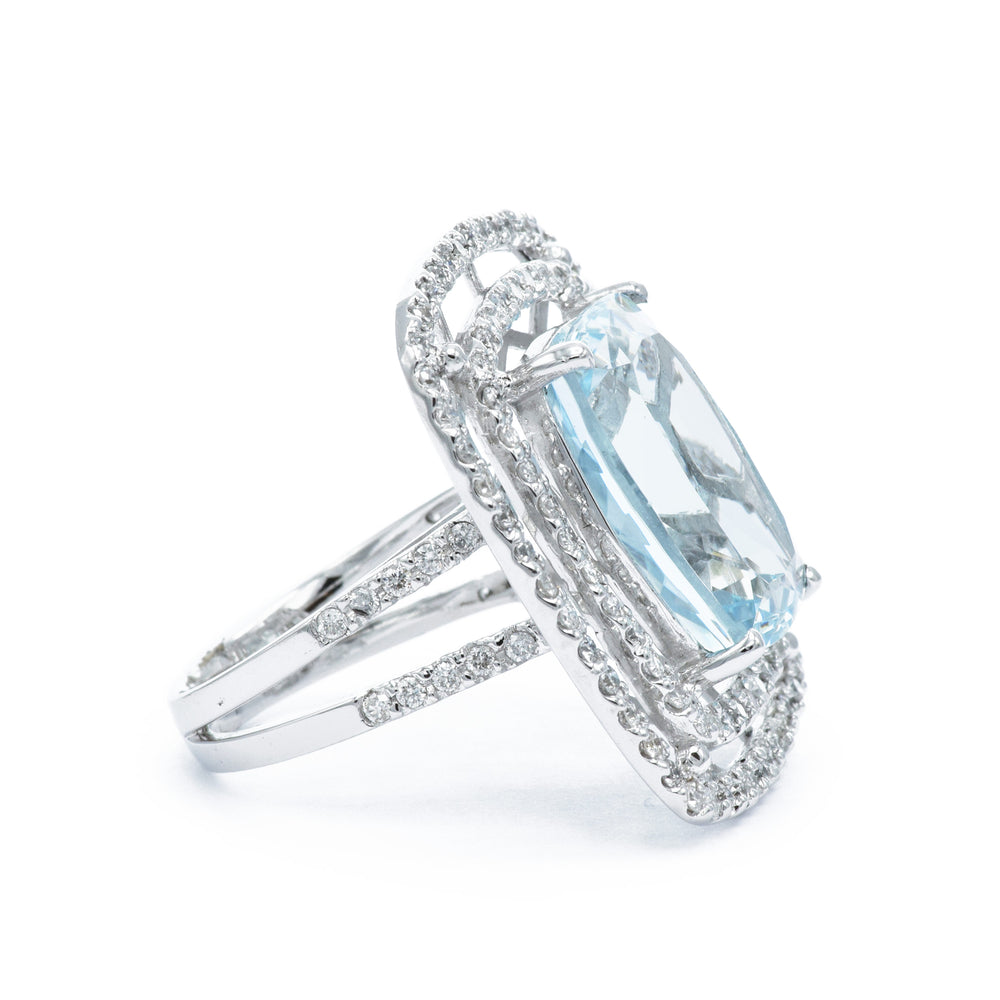 18kt White Gold, Aquamarine and Diamond RIng