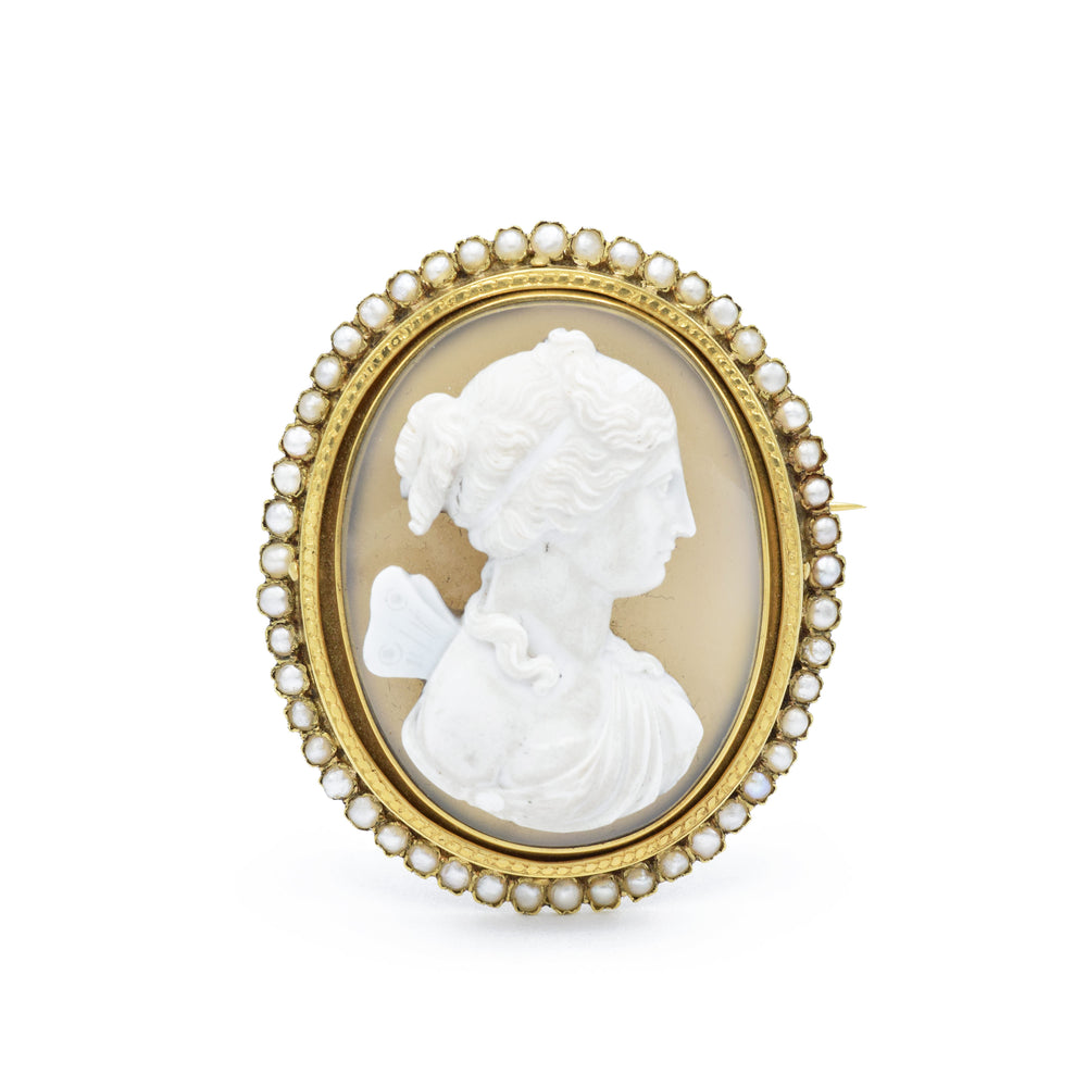 Victorian Era, Carved Agate Cameo Brooch with Pearls