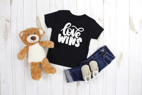LOVE WINS - Se7enTees