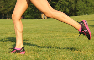 Women running in Therafit sneakers