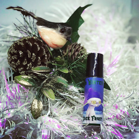Jack Frost limited edition winter 2017/18: Green and red apples, peppermint, spearmint, green tea, white tea, herbal lavender, dried basil, dried sage.