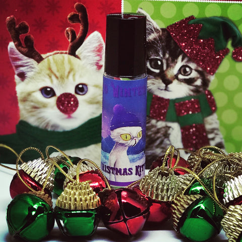 2018 Christmas Kitty fan creation:: Smoked vanilla bean, fresh minty snow, winter woods, frankincense, warm musk.