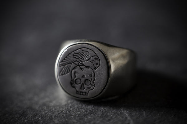 Digby & Iona All Men Must Die Signet Ring