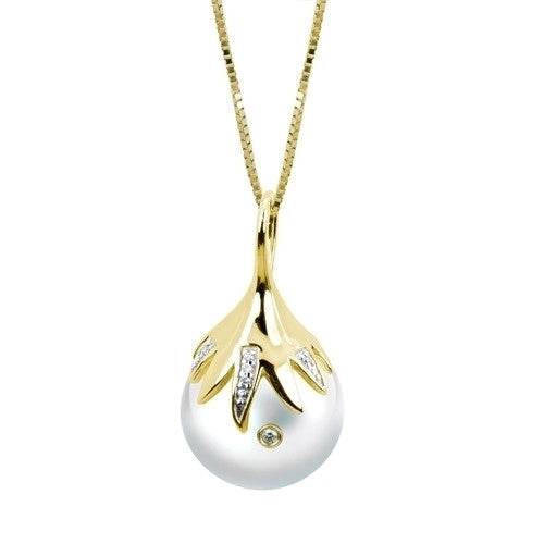 Windsor Pearl and Diamonds Pendant in 14k Yellow Gold