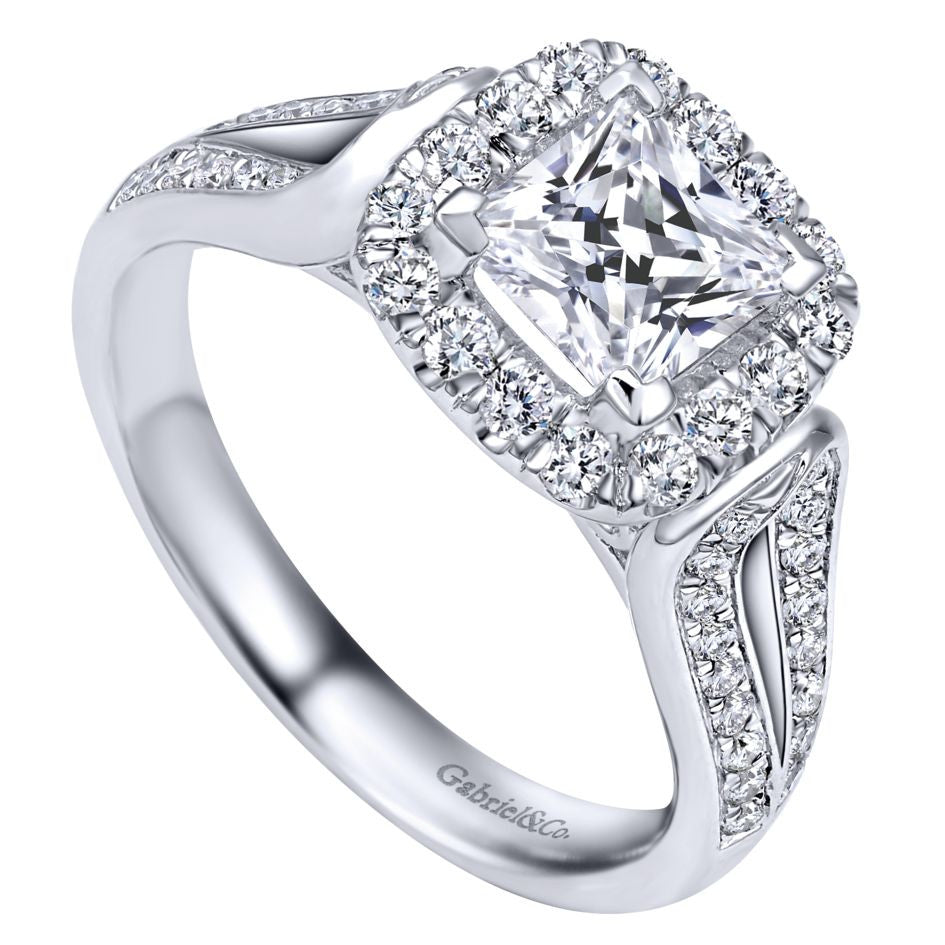 Cushion Diamond Halo Engagement Mounting