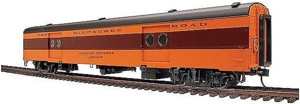 HO 85' Express Car MILW/TCH