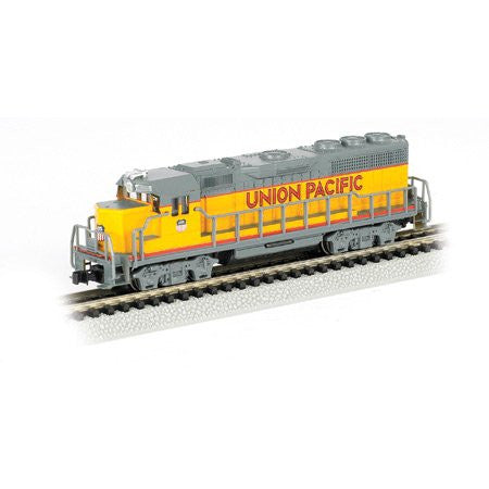 N Bachmann EMD GP40 with Operating Directional Headlights UP