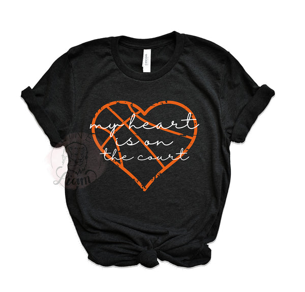 My heart is on the court - Crewneck or V-Neck