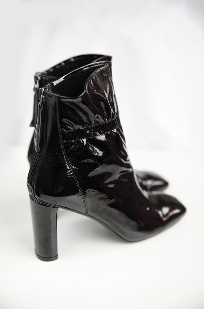 Sabrina boots in Black